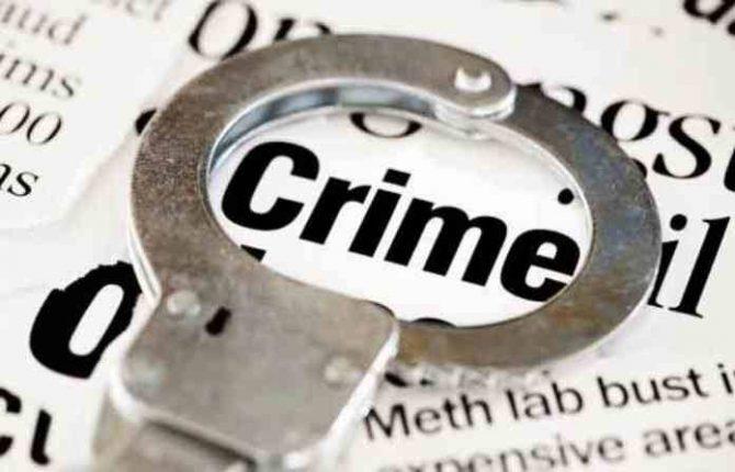 दारू विक्रेत्या गुंडाविरुद्ध जनआक्रोश; दारू विक्रीतून एकावर चाकू हल्ला