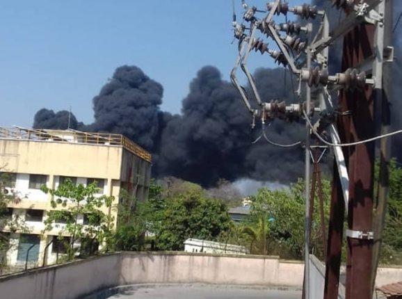 पालघरमधील एका कंपनीला आग