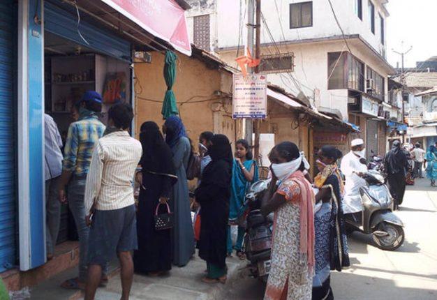 श्रीवर्धनमधील बाजारपेठ ३ मे पर्यंत बंद ठेवण्याचा व्यापारी संघटनेचा निर्णय, व्हॉट्स अॅपवर ऑर्डर घेऊन घरी देणार सामान