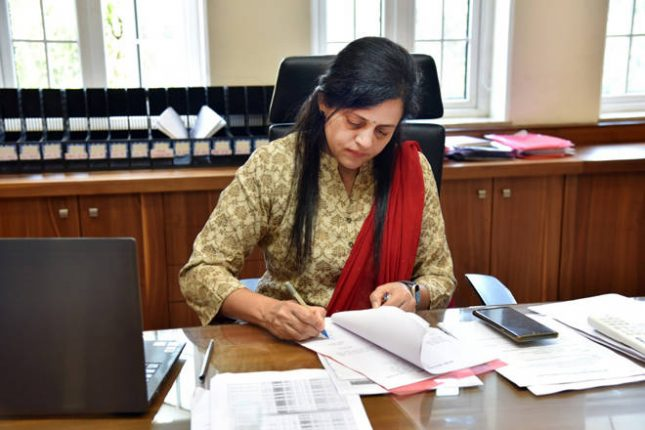 अश्विनी भिडे आणि संजीव जयस्वाल यांनी स्वीकारला मुंबई महापालिकेच्या अतिरिक्त आयुक्तपदाचा कार्यभार