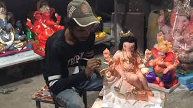 मूर्तिकारांसाठी लागणाऱ्या कच्च्या मालाबाबत निर्णय घ्यावा – आमदार विश्वनाथ भोईर यांची मुख्यमंत्र्यांकडे मागणी