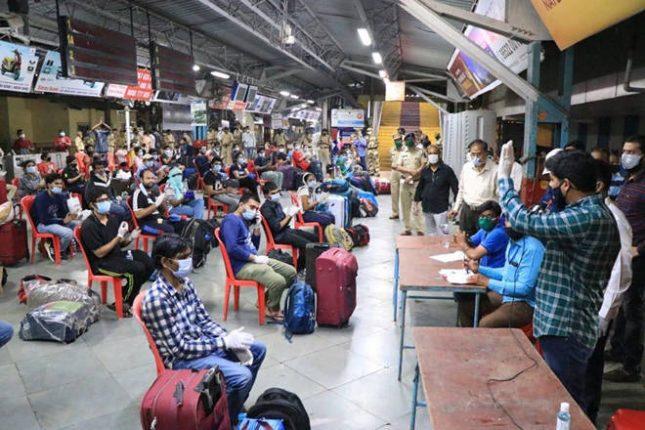 दिल्लीत अडकलेले युपीएससीचे विद्यार्थी महाराष्ट्रात परतले – खासदार श्रीकांत शिंदेंच्या प्रयत्नांना यश