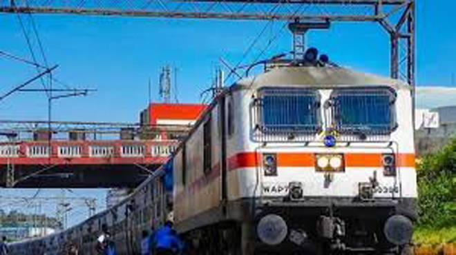 मंगळवारपासून दिल्लीतून रोज धावणार १५ पॅसेंजर ट्रेन, आयआरसीटीसी वेबसाईटवर उद्या संध्याकाळनंतर बुकिंग होईल सुुरु