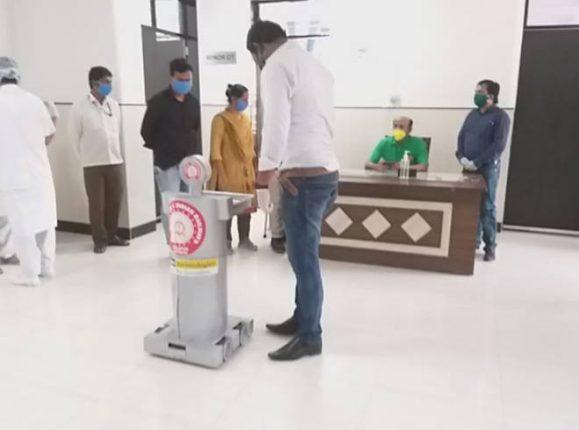 सोलापुरातील रेल्वे हॉस्पिटलमधल्या रुग्णांची सेवा आता रोबो करणार