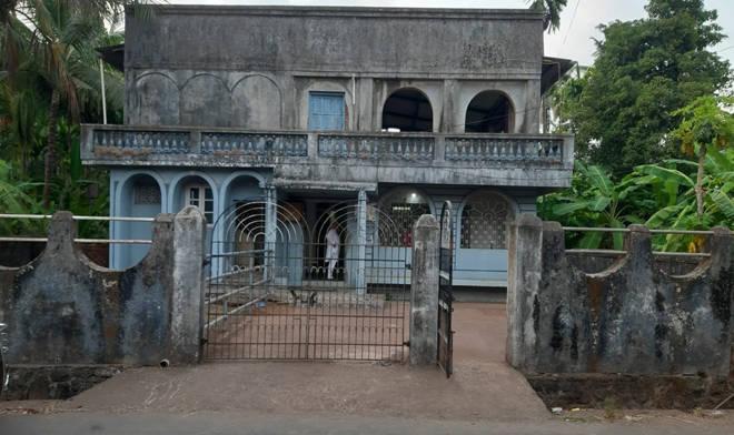 श्रीवर्धनमध्ये पैसे चोरण्यासाठी 'त्यांनी' धुंडाळले आख्खे घर, पण पैसे न मिळाल्याने बॅग घेऊन चोर झाले फरार