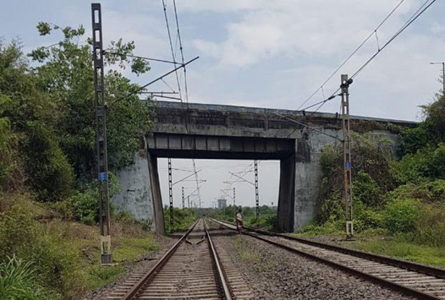 दिवा -पनवेल रेल्वे मार्गावरील धोकादायक पूल १५ जूनपासून वाहतुकीसाठी बंद