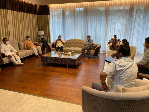 कोविड रुग्णालयासंदर्भात संघर्ष समितीची आढावा बैठक