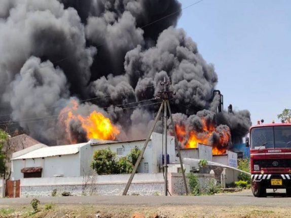 कुरकुंभ येथील केमिकल कंपनीला भीषण आग