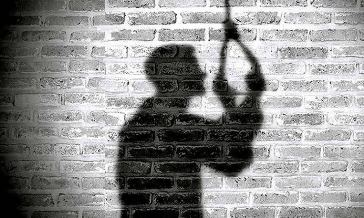 शिक्रापुरात युवकाची गळफास घेऊन आत्महत्या