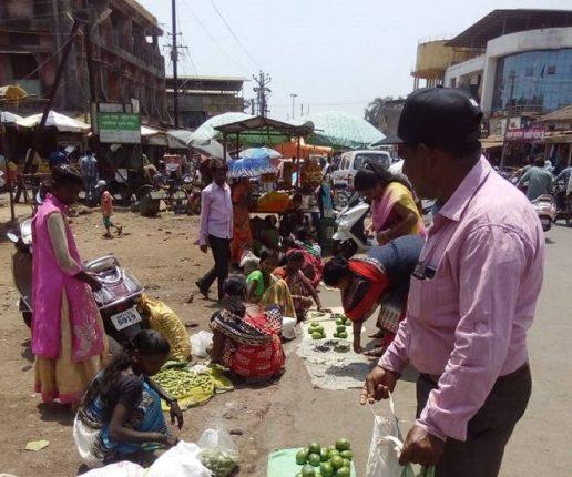 कोलाड रोहा बाजारपेठ बंद, आदिवासी बांधवांच्या व्यवसायावर संकट