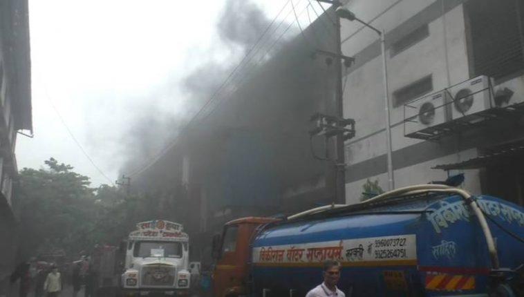 भिवंडीत सोनाळे येथील कापड कारखान्यास भीषण आग