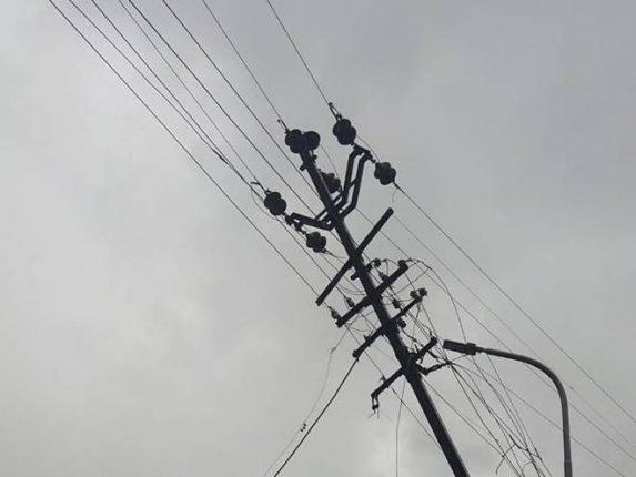 पोलादपूरमध्ये महावितरणचे नुकसान – ३६ तासानंतर विद्युत पुरवठा सुरळीत