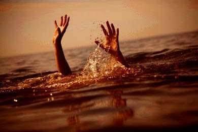हिवरा नदीत ३ बालके गेली वाहून, एकाचा आढळला मृतदेह