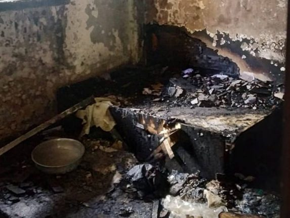 श्रीरामनगर येथे महिला पोलिसांचे घर जळून खाक