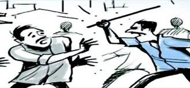 टेम्पो चालकास बेदम मारहाण ; कार चालकावर गुन्हा