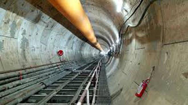कुलाबा-वांद्रे-सीप्झ या भूमिगत मेट्रो-३ मार्गिकेवरील मेट्रो स्थानकांच्या बांधकामाला वेग