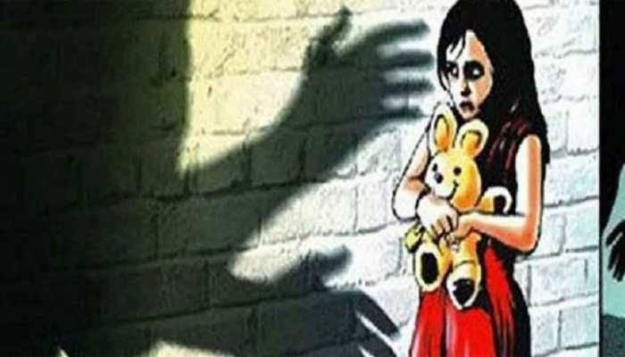 अल्पवयीन मुलीवर बलात्कार, एकावर गुन्हा दाखल