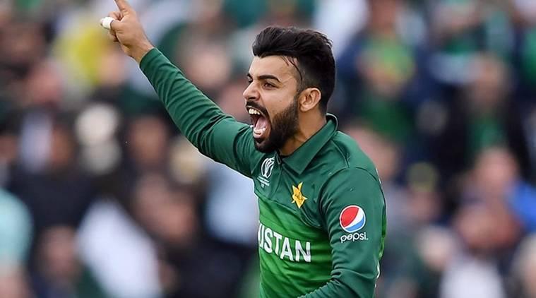 """धक्कादायक! पाकिस्तानच्या """"या"""" ३ खेळाडूंना कोरोनाची लागण"""