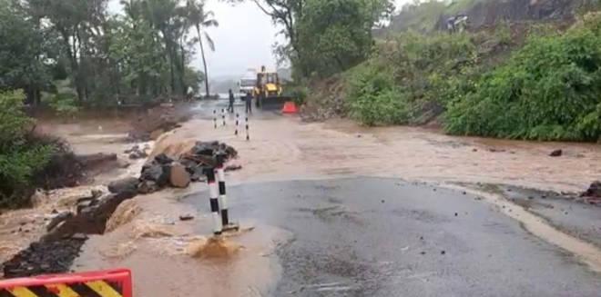 मुंबई गोवा महामार्गाचे वाजले तीन तेरा- महामार्गाला आले तळ्याचे स्वरूप