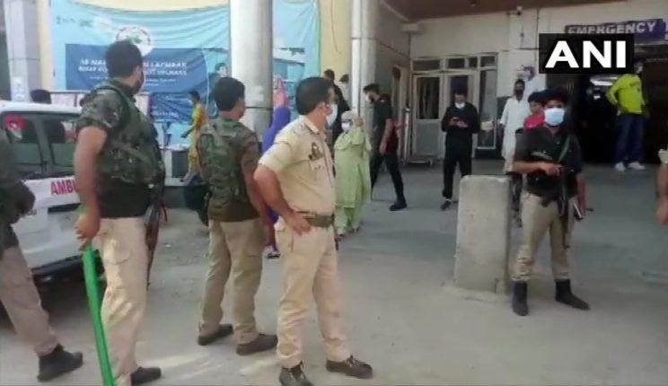 जम्मू-कश्मीरच्या बारामुल्ला भागात आतंकवादी हल्ला, ३ जवान शहीद