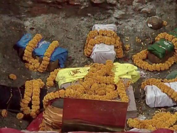 पंतप्रधान नरेंद्र मोदींच्या हस्ते मंदिराची पायाभरणी, भूमिपूजन सोहळा संपन्न