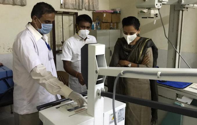 उपजिल्हा रुग्णालयात पालकमंत्र्यांच्या हस्ते डिजिटल एक्स-रे मशीनचे लोकार्पण