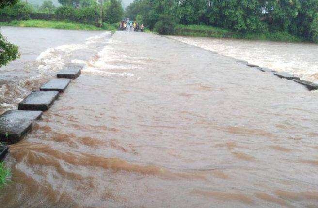 आंबा नदीने ओलांडली धोक्याची पातळी, सुधागडमध्ये मुसळधार पाऊस
