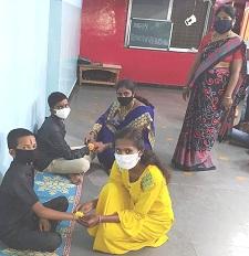 माहेर संस्थेतील अनाथ मुलांसोबत रक्षाबंधन