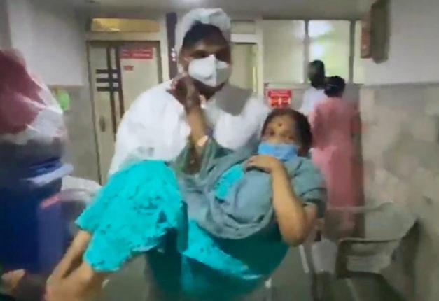 रुग्णांना दिले जातेय अव्वाच्या सव्वा बिल, नगरसेवकाने उचलले 'हे' पाऊल