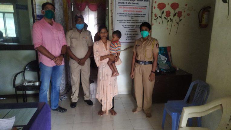 पोलीस विभागाच्या सतर्कतेने वाचले एका महिला व तिच्या बाळाचे प्राण..