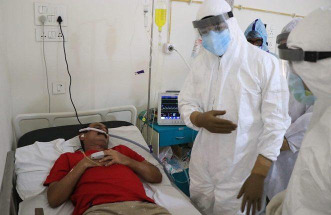 कोविडग्रस्त शिवसैनिकांना धीर देण्यासाठी खासदार श्रीकांत शिंदे यांची निऑन हॉस्पिटलमध्ये भेट