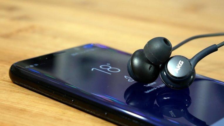 ग्राहकांचे Smartphone खरेदी करताना ऑडिओच्या दर्जाला कॅमेराहून अधिक प्राधान्य; सीएमआर अभ्यासात निष्कर्ष