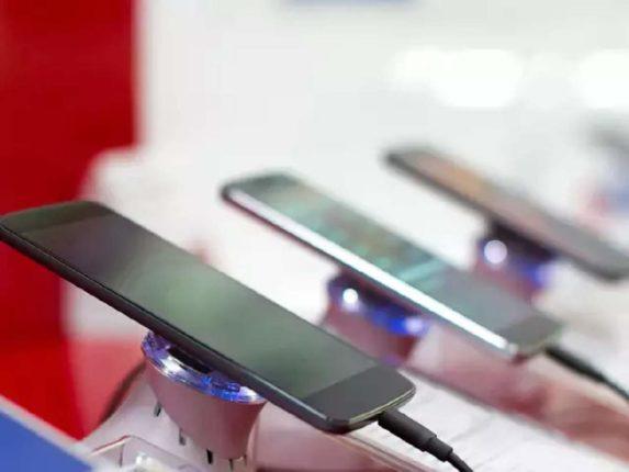 जूनमध्ये भारतात दाखल झाले २,२२५ कोटी रुपयांचे स्मार्टफोन