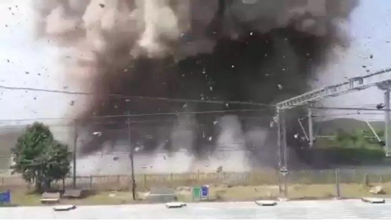 भोपाळ रेल्वेस्थानकाजवळ भीषण स्फोट, पाहा चित्तथरारक व्हिडीओ