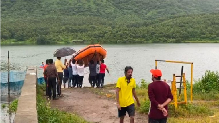 Two Mumbaikars drown in Virar lake