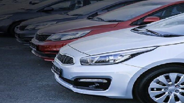 अपघातांवर नियंत्रण आणण्यासाठी कारमध्ये नवीन टेक्नॉलाजी देणे बंधनकारक