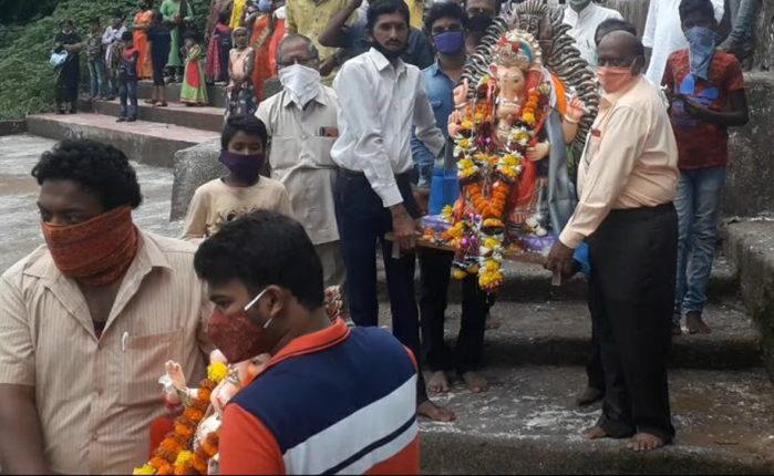 Maharashtra Corona Update: गणेशोत्सवानंतर राज्यात कोरोनाचा उद्रेक; आरोग्य अधिकाऱ्यांचा इशारा