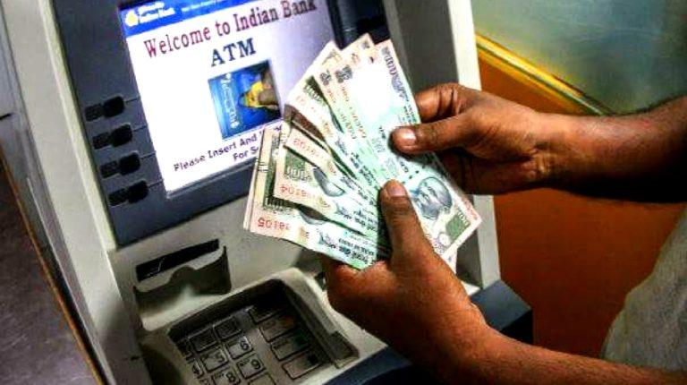उद्यापासून ATM मधून पैसे काढणं, डेबिट-क्रेडिट कार्डचा वापर महागणार; किती असेल शुल्क?
