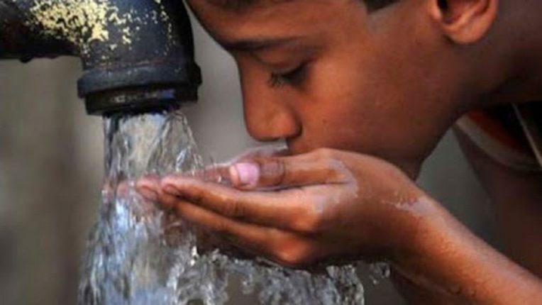 अशुद्ध पाणी पिणाऱ्या भारतीयांना कोरोनाचा कमी धोका
