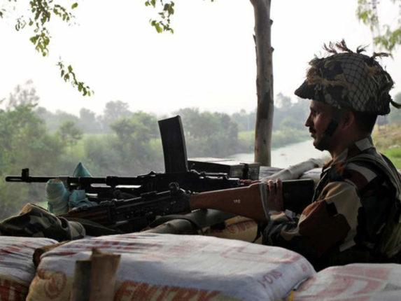 indian army destroy pakistan post in poonch jammu kashmir