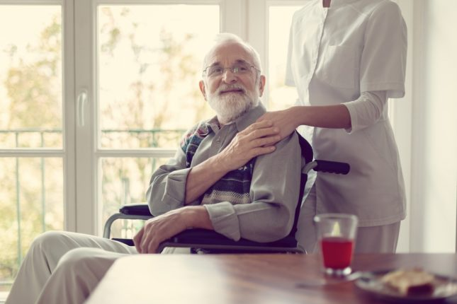 Covid-19 can cause loneliness and special challenges in visually impaired seniors