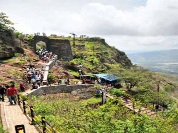 पुणे जिल्ह्यातील पर्यटनस्थळांसाठी ६४४ कोटींचा आराखडा ; जिल्ह्यात ४०६ पर्यटन स्थळे , २८८ जाेडरस्ते बांधावे लागणार
