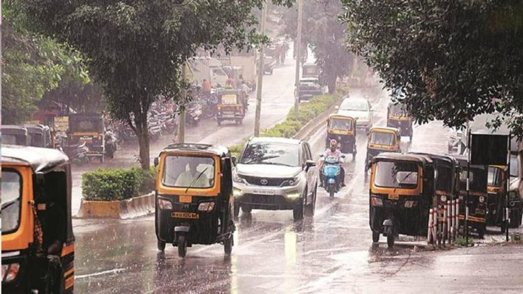 राज्यात पुढील २ दिवस मेघगर्जनेसह पावसाची शक्यता, उत्तर महाराष्ट्रात हाय अलर्ट जारी