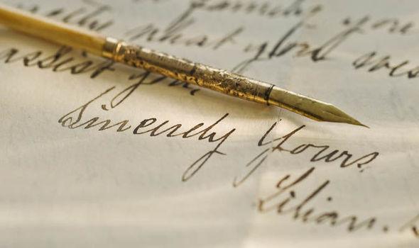 गुप्तहेर व सुरक्षा अधिकाऱ्यांवर सरकारचे निर्बंध; अनुभव कथनाच्या पुस्तकांवर बंदी