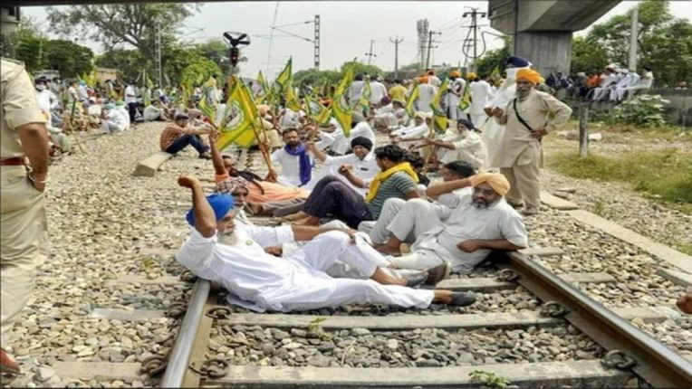 Farmers movement in Punjab. Shortage of essential items for the army due to closure of railways; Materials for the winter