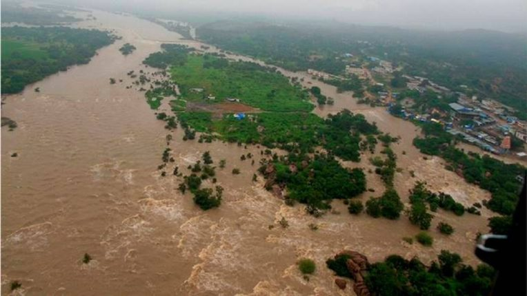 Waiting for flood relief in Telangana; The KCR government alleges that the Center did not provide assistance