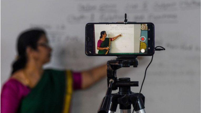 फी न मिळाल्याने पुणे येथील खासगी शाळांच्या ऑनलाईन घंटा वाजणार नाही