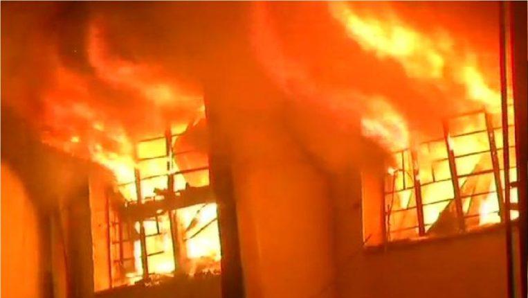 A fire broke out in a factory in Taloja industrial estate, killing a firefighter