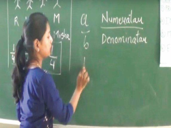 धक्कादायक ! पुरंदर तालुक्यातील २५ शिक्षकांना कोरोनाचा संसर्ग ; विद्यार्थ्यांची कोरोना चाचणी करण्याची मागणी