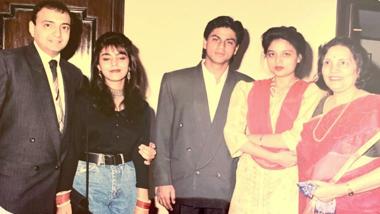 shaharukh khan with sister